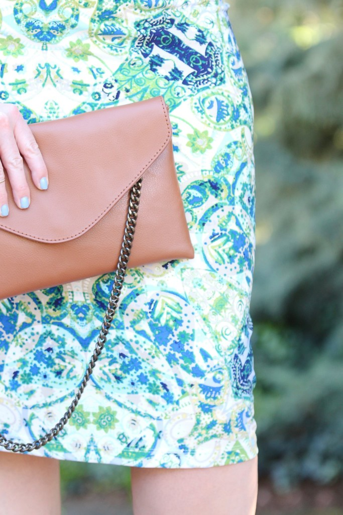 Spring Trends with Maggy London - Chain envelope clutch