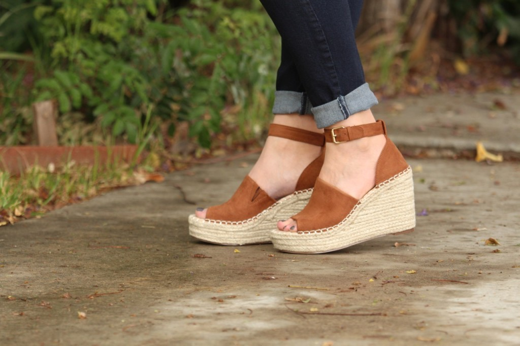 Casual Boho Style with Ellie & Adair - JustFab Macey Platform Wedges