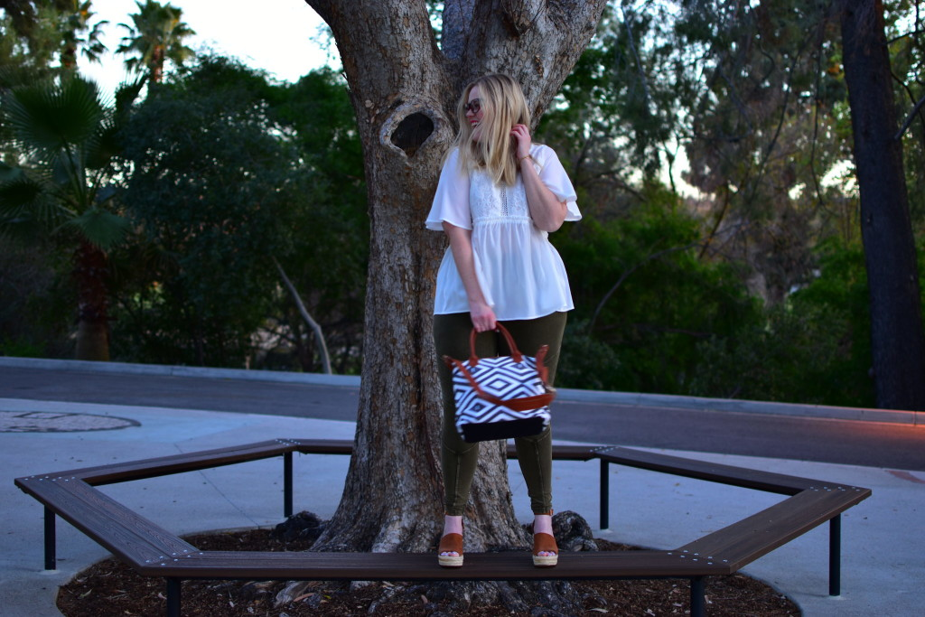Gozon Lace Blouse and tribal print bag